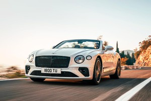 Bentley continental GTC, superlusso en plen air (ANSA)