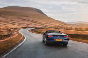 Bentley Continental GT Speed, è anche Convertible (ANSA)